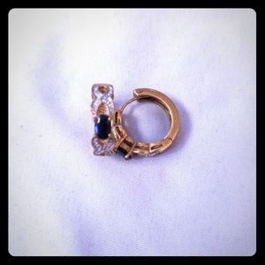 Gold, sapphire and diamond earrings!